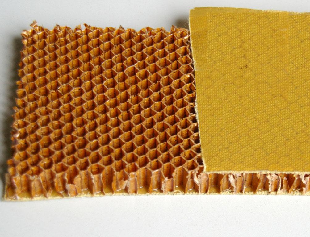 Bild einer Pappe mit Wabenstruktur